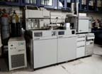 Hewlett Packard (HP) 5989 Mass Spectrometer (MS) With a 1090 Liquid Chromatograph With Particle Beam & Thermospray Interfaces